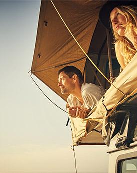 couple-tente-de-toit